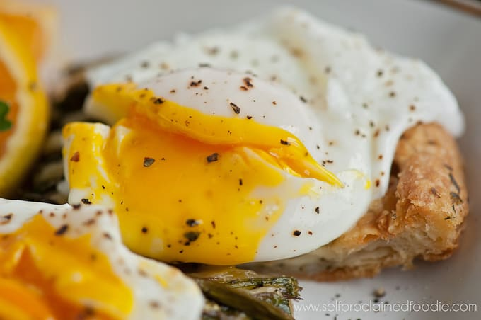 the-perfect-poached-egg-yolk2