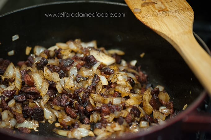 collard-greens-with-bacon-cooking