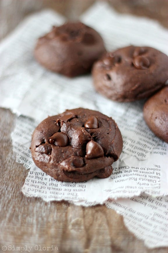 Chocolate-Banana-Cookies-so-moist-theyll-melt-in-your-mouth-SimplyGloria.com-chocolate