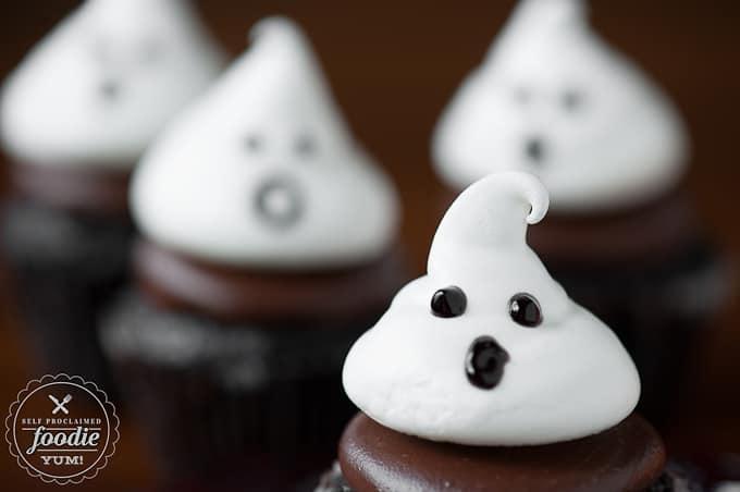 Ghost Meringue Cookies | Self Proclaimed Foodie