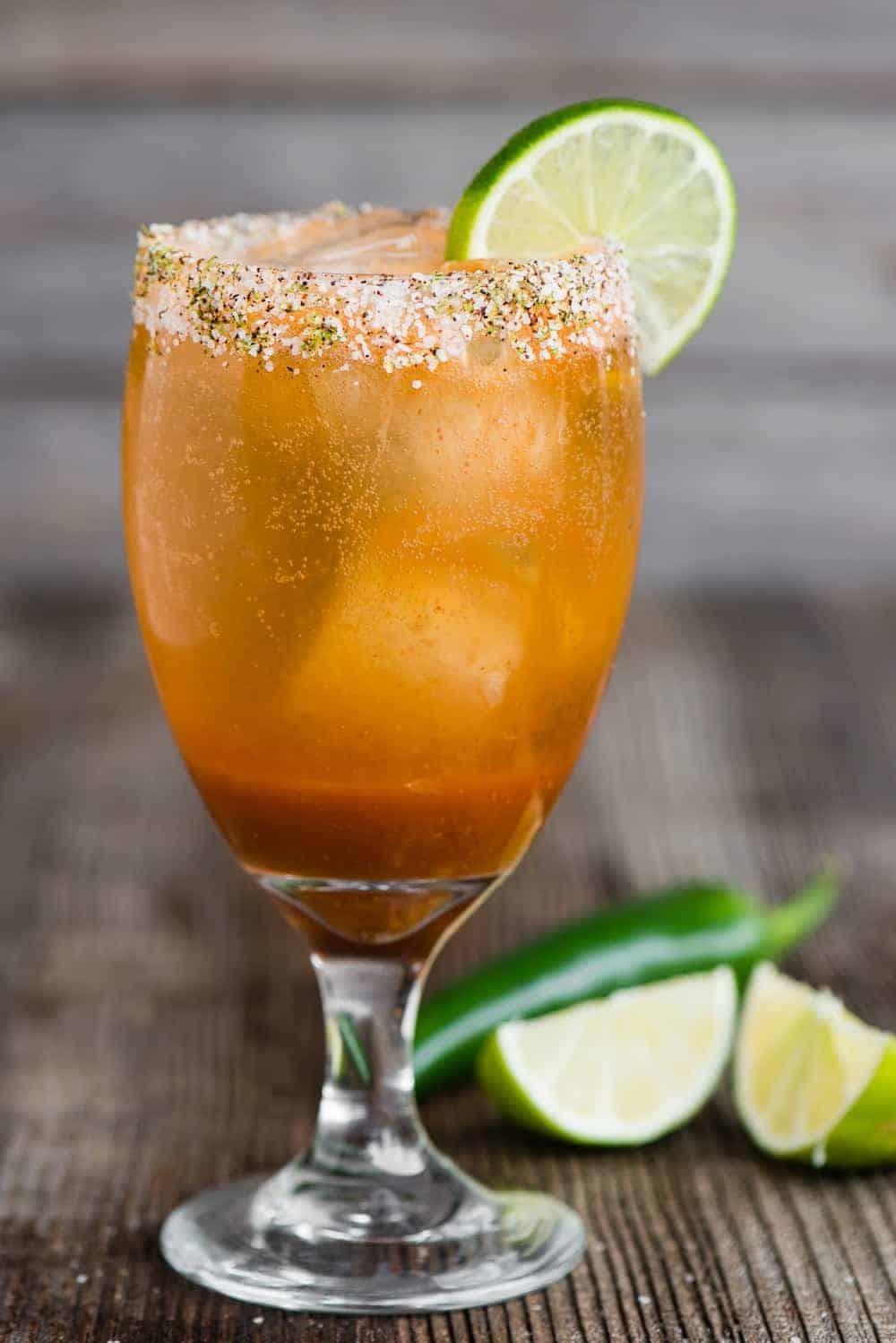 how to make an easy Michelada cocktail