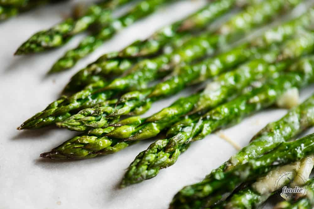 The best Garlic Parmesan Roasted Asparagus recipe
