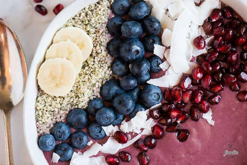 easy acai bowl recipe with toppings