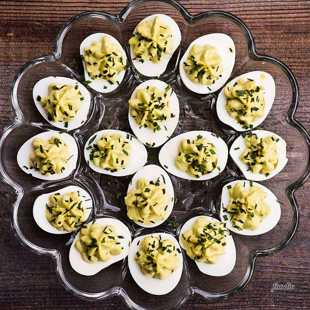 Recipe for deviled eggs with avocado