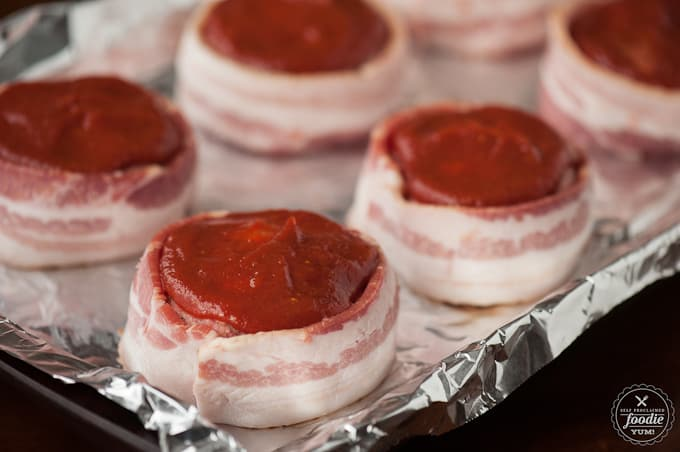 Mini meatloaf with bacon.