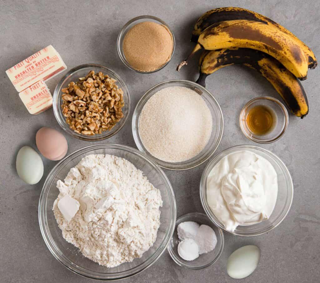 ingredients to make sour cream banana cake