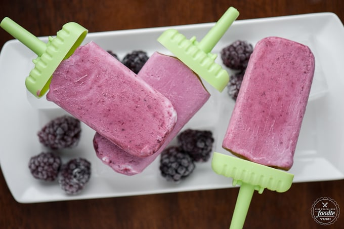 homemade blackberry popsicles