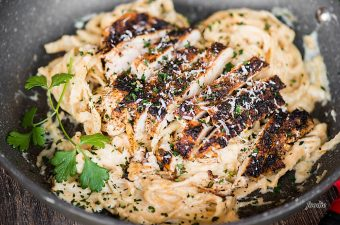 Cajun Chicken Alfredo Pasta is a quick and easy dinner with all the comfort of flavorful cajun chicken, creamy alfredo sauce, and satisfying pasta.