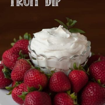Cheesecake fruit dip with strawberries