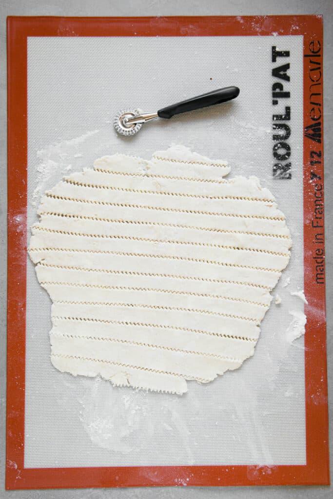 how to slice pie dough for lattice weave crust