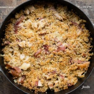 ham swiss and chicken covered with breadcrumbs for chicken cordon bleu casserole