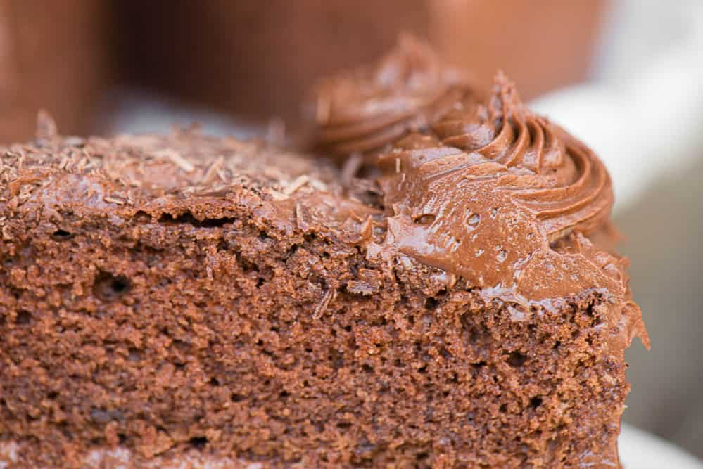 easy to make chocolate frosting on cake