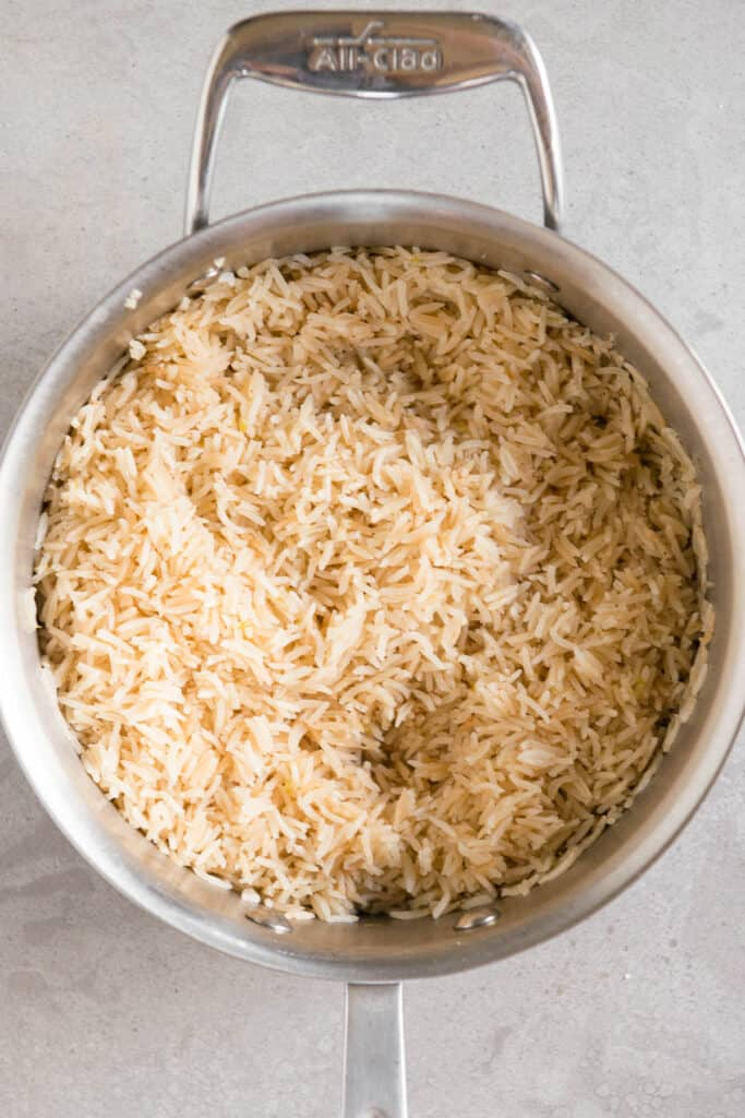 pot of long grain cooked rice