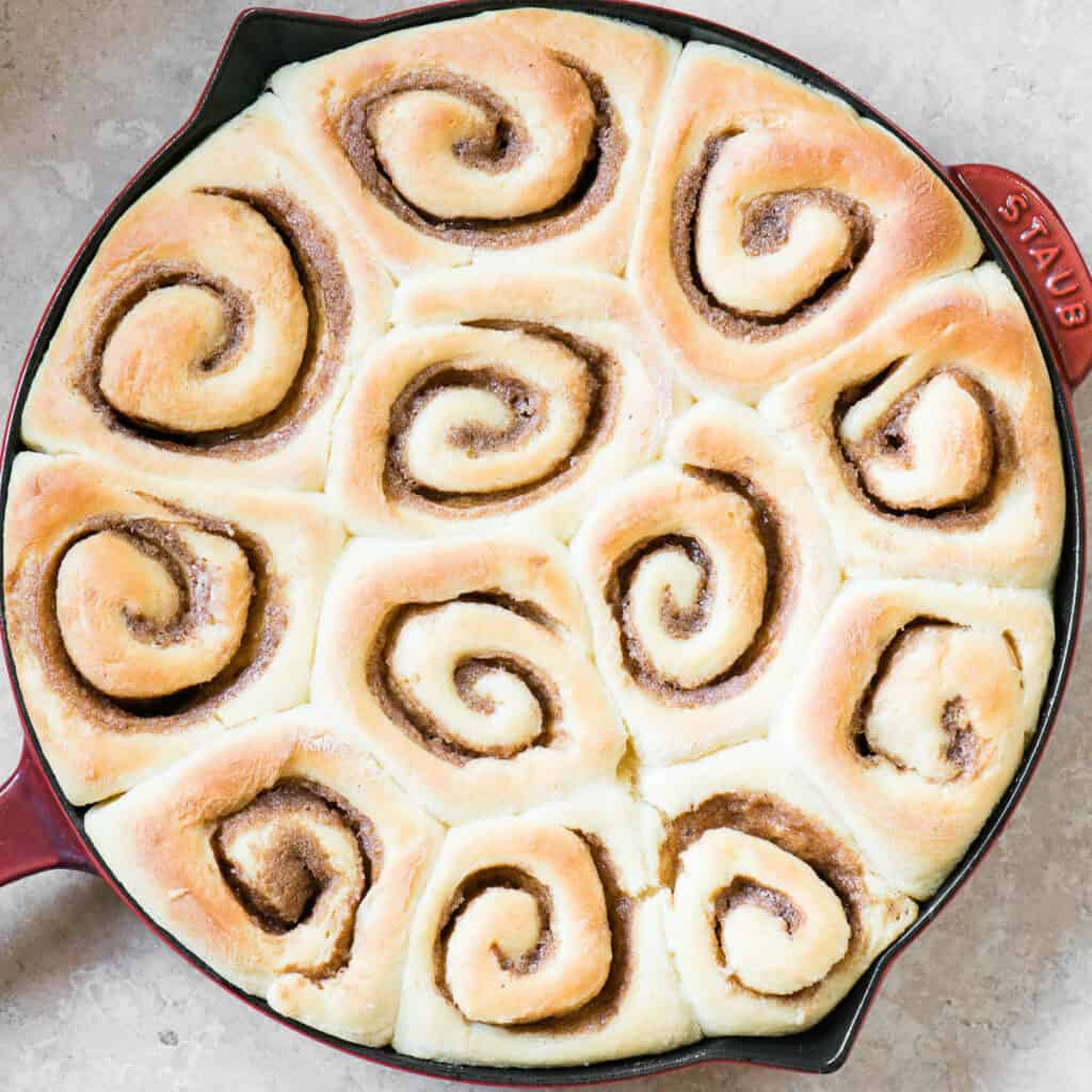 baked Cinnamon Rolls in round pan