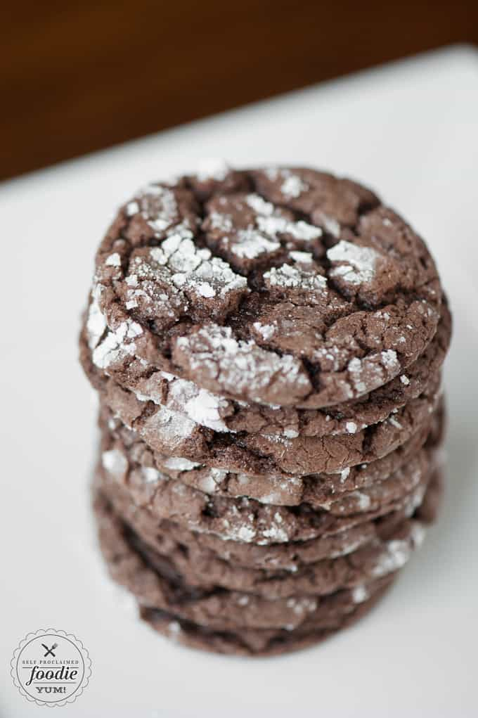 a close up of a devils food crinkle