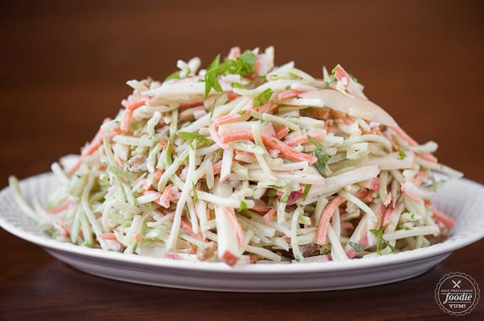 broccoli slaw with apple and carrot and creamy dressing