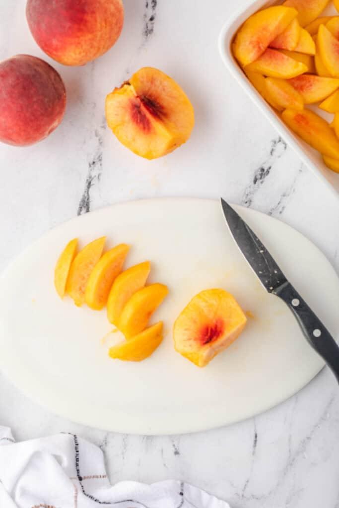 slicing a fresh peach