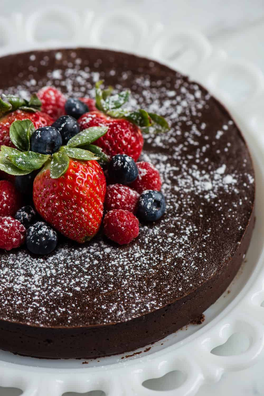 flourless chocolate cake with fresh berries