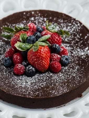 how to make flourless chocolate cake