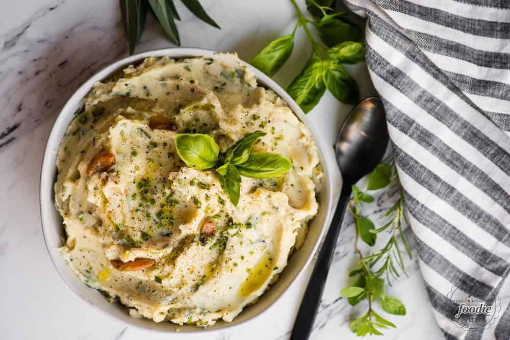 garlic herb mashed potatoes in bowl