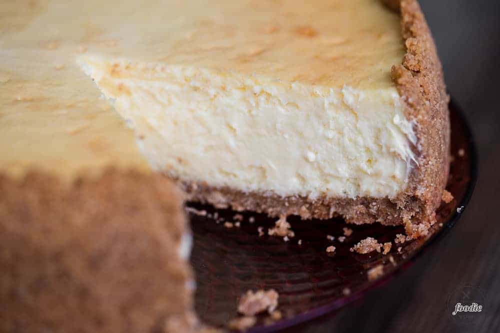 How to make homemade cheesecake with graham cracker crust
