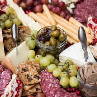 How to Make the Best Charcuterie Cheese Board