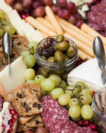 How to Put Together the Ultimate Charcuterie & Cheese Board
