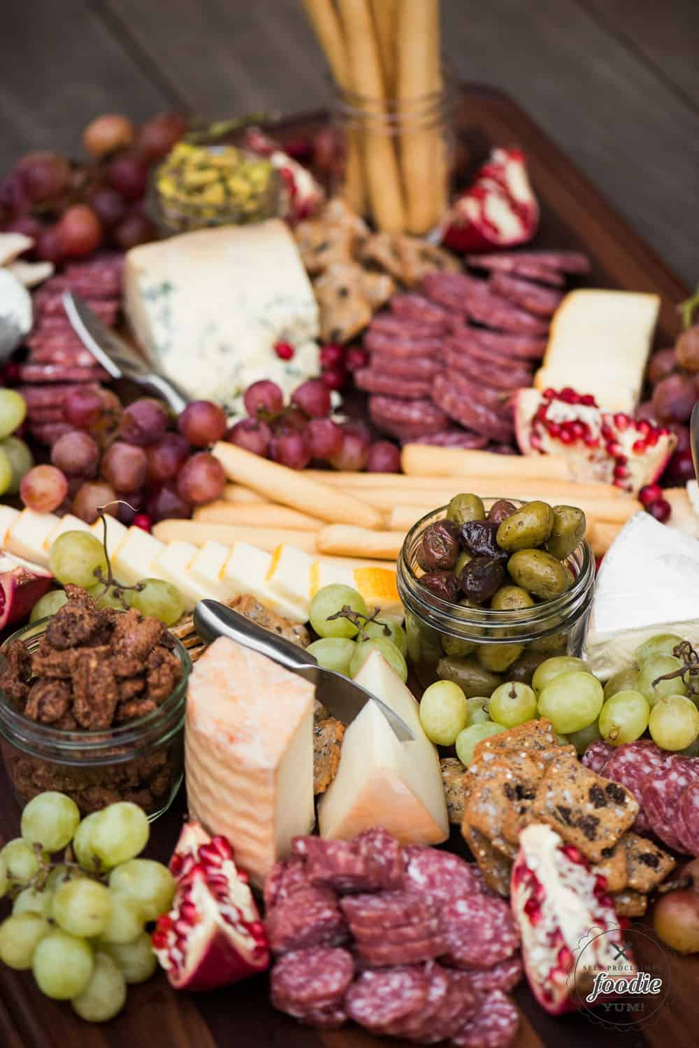 How to Put Together the Ultimate Meat & Cheese Board