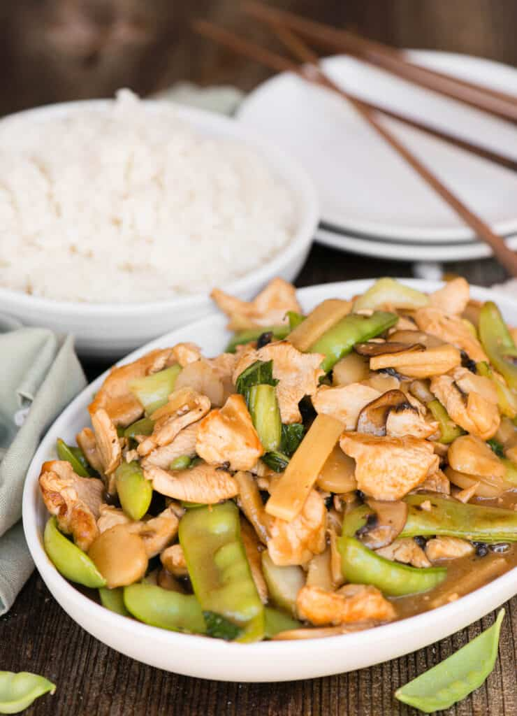 chinese chicken with vegetables and sauce
