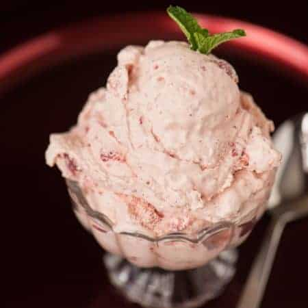 Old Fashioned Strawberry Ice Cream