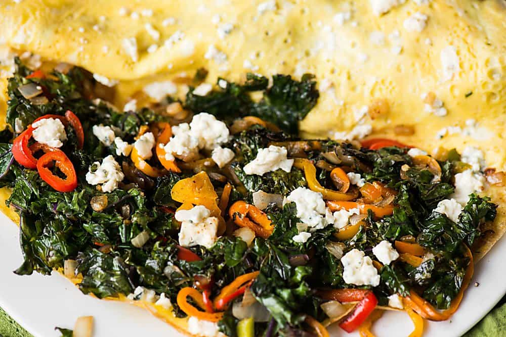 veggie omelet with cheese
