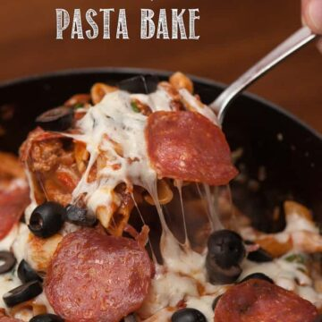 Dinner doesn't get much better than this One Pot Cheesy Pizza Pasta Bake which is easy to make comfort food that is oh-so-delicious .