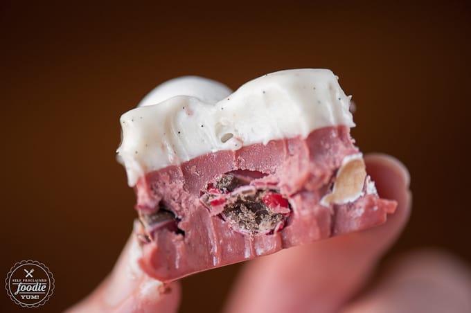 red-velvet-fudge-bite