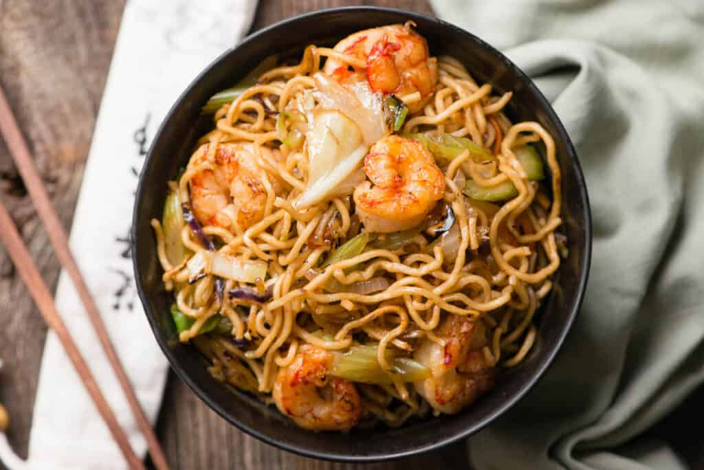 shrimp chow mein with yakisoba noodles in bowl