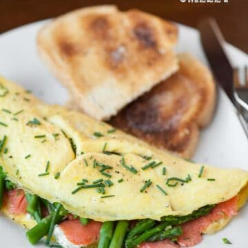omelet with smoked salmon and asparagus with toast