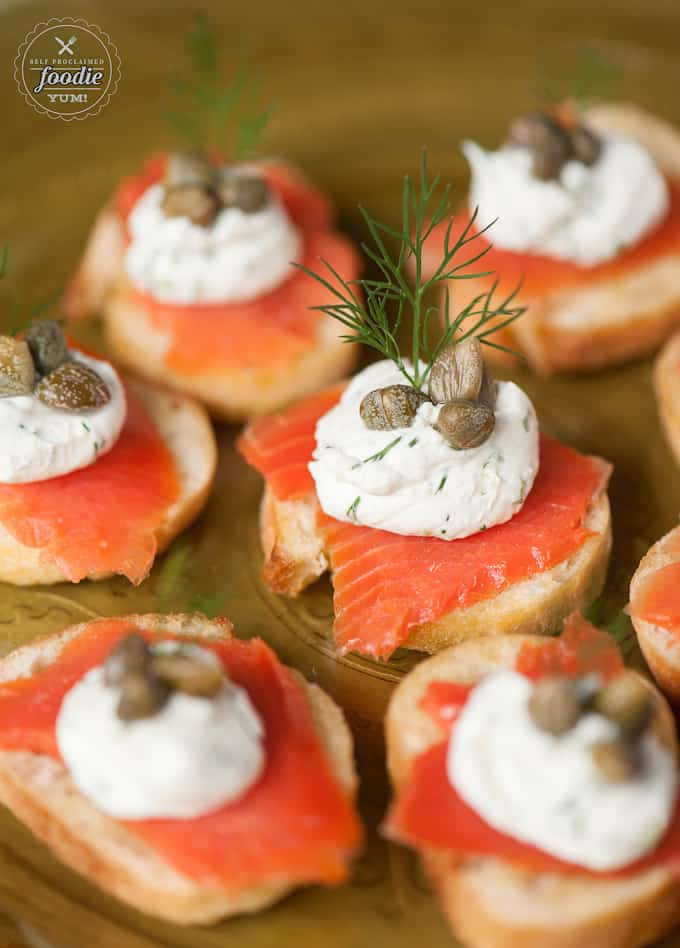 A close up smoked salmon crostini