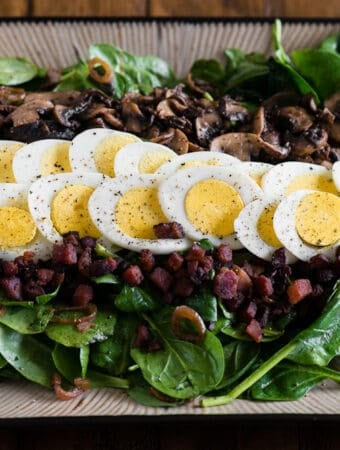 warm spinach salad recipe with bacon and dressing