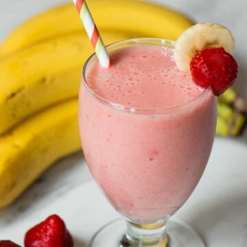 how to make the best Strawberry Banana Smoothie