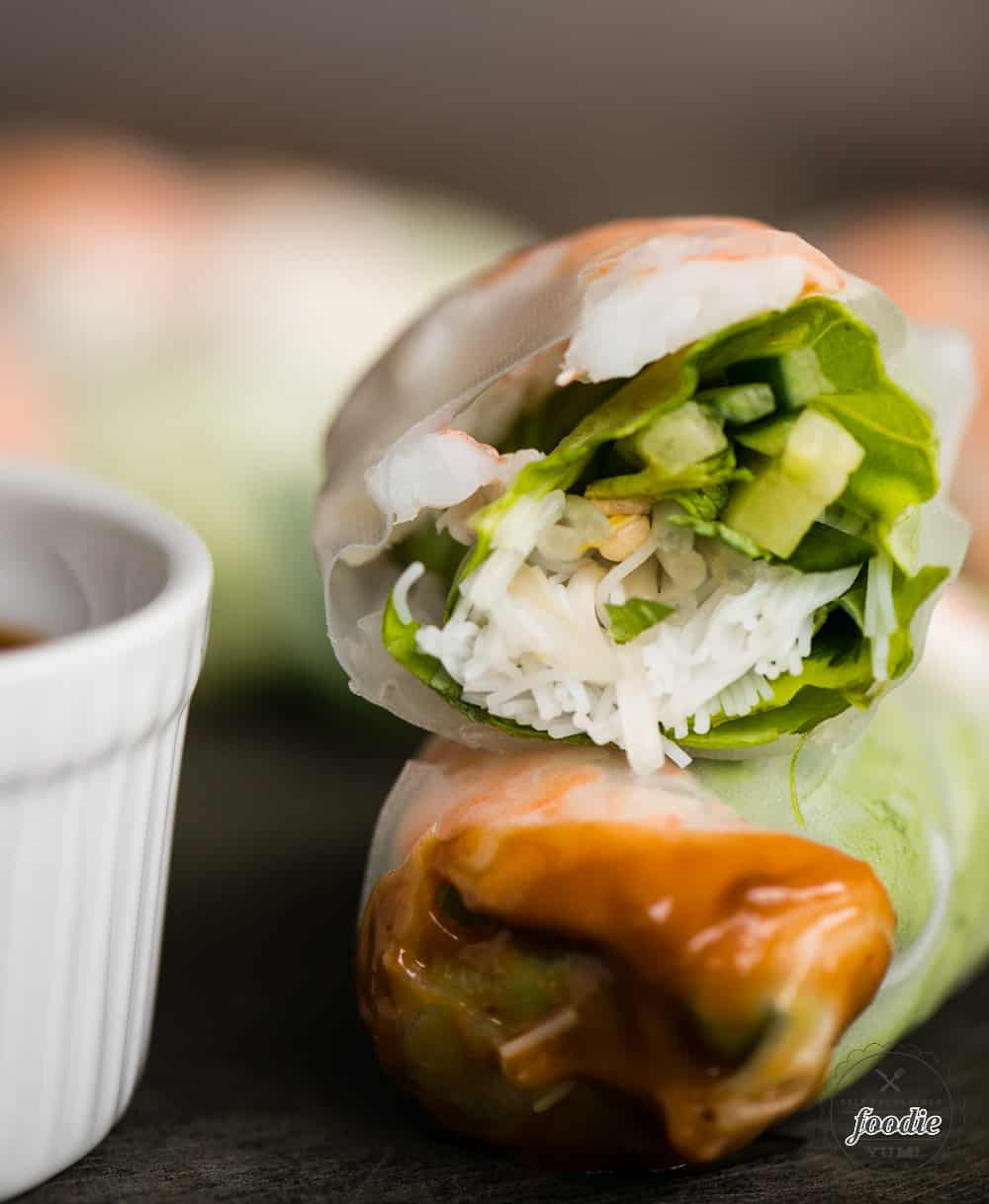 Recipe for how to make Shrimp Summer Rolls with peanut sauce