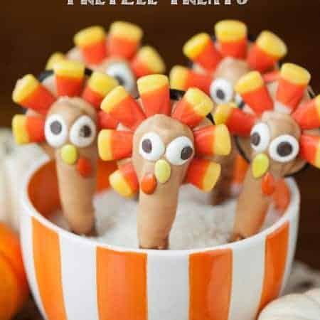 Pretzel treats that look like turkeys
