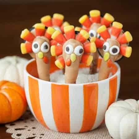 Thanksgiving Turkey Pretzel Treats